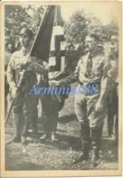 Adolf Hitler & Jakob Grimminger Mit Der Blutfahne Beim 4. Reichsparteitag 1929 In Nürnberg - Krieg, Militär