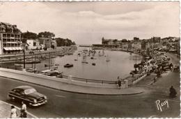 Cpsm 44 LE POULIGUEN   Le Pont , Le Port Et Les Quais , Animée, Voiture Ford Vedette - Le Pouliguen