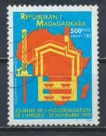 °°° MADAGASCAR - Y&T N°211 PA - 1993 °°° - Madagascar (1960-...)