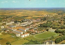 85 - FONTENAY LE COMTE - LYCÉE POLYVALENT ET QUARTIER CHAMIRAUD (STADE) - Fontenay Le Comte