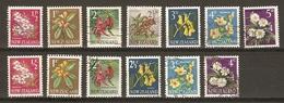 Nouvelle-Zélande 1960/70 - Fleurs - Petit Lot De 13° Avant Et Après Le Changement Décimal - Nouvelle-Zélande