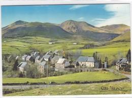 Puy-de-Dôme - En Auvergne Près Du Col De La Croix-Morand (1401 M.) - Le Village De Bressouleille Et Les Puys Du Barbier - France