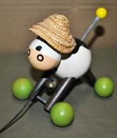 Rare Jouet à Tirer En Bois Style Vache Manège Enchanté - Toy Memorabilia