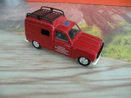 Véhicule De Pompier - Renault 4 Fourgonnette  - 1/43 - SOLIDO FRANCE - - Pompiers
