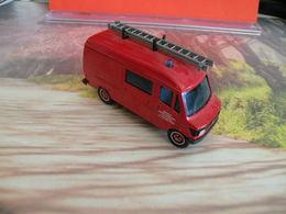 Véhicule De Pompier - Mercedes 407 D  - 1/50 - SOLIDO FRANCE - N° 43 - Pompiers