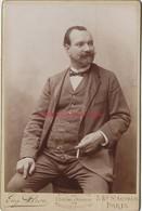 Grand CDV (CAB)-photo Ancienne D'un Homme A La Mode Du Temps-photo Eugène Pirou à Paris - Anciennes (Av. 1900)