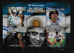 ST THOME ET PRINCE    Feuillet N° ( 2010 )  * *  Football  Soccer Fussball  Maradona - Neufs