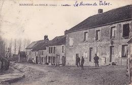 CPA - 02 - MAREUIL EN DOLE - La Place - Le Bureau De Tabac - RARE !!!!! - Altri Comuni