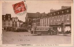 Cpa 22 SAINT-BRIEUC   L'Auto Gare Du Champ De Mars,animée: Embarquement Dans L'autocar Perros-St Malo - Saint-Brieuc