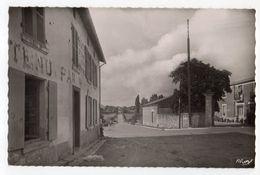 CHAMPDENIERS -- Carrefour St François ( Hotel à Gauche) ..........à Saisir - Champdeniers Saint Denis