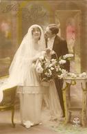 CPA Colorisée 192? - Jeunes Mariés - Voeux De Bonheur - Noces