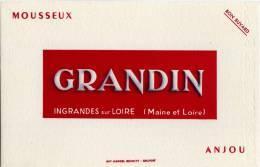 Buvard : GRANDIN - Mousseux  - ANJOU - INGRANDES Sur LOIRE (Maine Et Loire) - Buvards, Protège-cahiers Illustrés