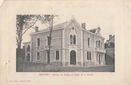 CPA - Betchat - Bureau De Poste Et Hôtel De La Mairie - Autres Communes