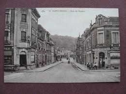 CPA 55 SAINT MIHIEL Rue De Nantes SEPIA ANIMEE Bar En Angle De Rue 1920 1930 - Saint Mihiel