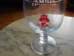 Verre Chimay 24 H Boules De Bois Salles - Glasses