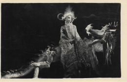AK 0039  Japanerin Auf Fabelwesen ( Drachen ) - Photo Um 1920-30 - Märchen, Sagen & Legenden