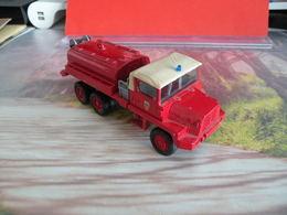 Véhicule De Pompier - Berliet GBC KT - 1/50 - SOLIDO FRANCE - N°37 - Pompiers