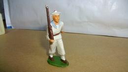 Figurines Soldat Marin Plastique Marque Starlux Soldat Qui Défile 6 Cm De Haut - Army