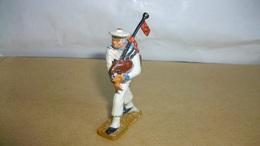 Figurines Soldat Marin Plastique Marque Starlux Cornemuse 6 Cm De Haut - Army