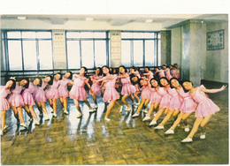 COREE DU NORD , PYONGYANG - Les Petites Gymnastes - Gymnastique Artistique - Korea, North