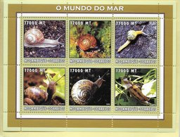 TIMBRES- STAMPS- SELLOS - MOZAMBIQUE / MOÇAMBIQUE -2002- LE MONDE DE LA MER - LES ESCARGOTS  - SÉRIE TIMBRES NEUFS - MNH - Mozambique