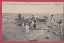 14 - LANGRUNE SUR MER---Les Jeunes Marins Aident A La Mise A L'eau---animé - France