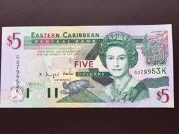 EASTERN CARIBEAN P42K 5 DOLLARS 2003 UNC - Caraïbes Orientales