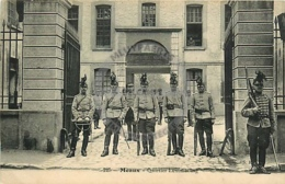/!\ 8045 - CPA/CPSM - 77 - Meaux : Caserne Luxembourg - Meaux