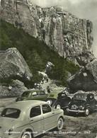 """1212 """" APPENNINO REGGIANO - PIETRA DI BISMANTOVA M. 1402 CON VETTURE FIAT ANNI '50 """" CART. POST.  ANIM.ORIG.  SPED. - Italia"""