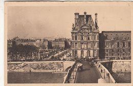 Cp , 75 , PARIS , Le Pont Royal, Le Pavillon De Flore Et Le Jardin Des Tuileries - France
