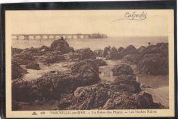 14385 . TROUVILLE SUR MER . LA REINE DES PLAGES . LES ROCHES NOIRES . (recto/verso) ANNEE  1936 . PETITE ANIMATION. CAP - Trouville