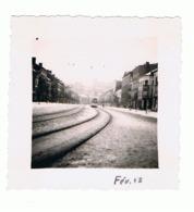 Photo ( +/- 6 X 6 Cm)  LIEGE, Boulevard De La Sauvenière En Février 1942 , Tramway, Tram, Neige (b187) - Plaatsen