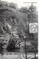 Thiers. Le Pont Sur La Durolle Et Au Dessus L'église Saint Jean. - Thiers