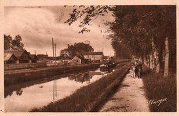 Saint - Amand -      Le  Canal  Du  Berry. - Saint-Amand-Montrond