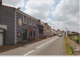 CPM 44 SAINT JULIEN DE CONCELLES ... La Chebuette . Restaurant Chez Clémence (Livenais DI240515) - France