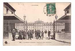 63 Clermont Ferrand Caserne Du 36eme Artillerie Groupe Soldats Militaires Cachet 1910 Soldat Militaire - Clermont Ferrand