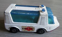 Ambulance Stretcha Fetcha - Matchbox - Matchbox (Lesney)