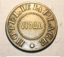 """Jeton Monnaie De Necessité 2e Type """"Hôtel De La Plage / Vidal"""" Marseille (plage Du Prado) French Emergency Token - Monetary / Of Necessity"""