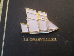 210c Pin's Pins / Beau Et Rare : Thème BATEAUX : VOILE VOILIER VIEUX GREEMENT BREST 92 LA GRANVILLAISE - Boats