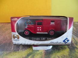 Véhicule De Pompier - Citroen C4F Ambulance - 1/43 - SOLIDO France - Pompieri