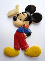 RARE PETITE APPLIQUE MURALE WALT DISNEY - MICKEY EN PIEDS - Disney