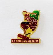 Pin's Le Relais Du Vigneron - BL18 - Pin's