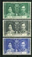 GIBRALTAR : COURONNEMENT DE GEORGE VI , TIMBRES  NEUFS  SANS  TRACE  DE  CHARNIERE . - Familias Reales