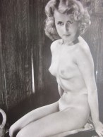 CPSM PIN-UPS -- PIN UP- Jolie Jeune Femme - Nue Nu Integral, Decor Theatre Music-hall Carte Postale- Card-PIN-UP Photo - Nus Adultes (< 1960)