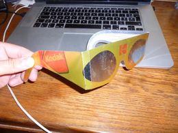 Paire De Lunettes Kodak Spécial éclipse Solaire - Fotografie En Filmapparatuur