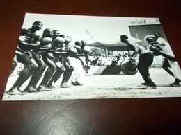 B697  Nigeria Dancers Cm14x9 - Nigeria