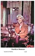 MARILYN MONROE - Film Star Pin Up PHOTO POSTCARD - C33-9 Swiftsure Postcard - Postales