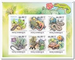 Mozambique 2011, Postfris MNH, Succulents And Reptiles - Mozambique