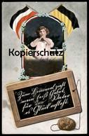 ALTE POSTKARTE KIND IM GEBET 1. WELTKRIEG FÜR DEN VATER ES GLÜCK ERFLEHT PATRIOTIKA Patriotismus Ansichtskarte Postcard - Guerre 1914-18
