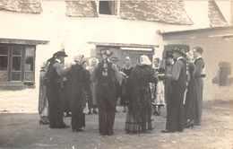 DOUARNENEZ -  Carte Photo D'un Groupe De Danseurs ( Vers 1910/1920 ) - Costumes Divers  Finistére  - Vue 1 - Douarnenez